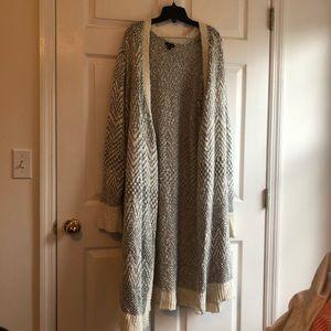 Grey white torrid chevron sweater duster